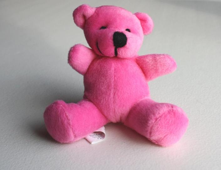 chú gấu bông màu hồng, đồ chơi