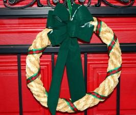 Corona di Natale, porta d'ingresso, paglia, nastro
