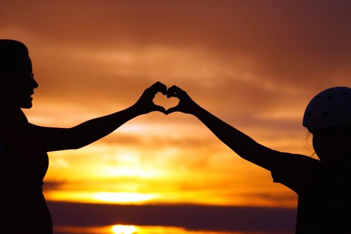 silhouette, coucher de soleil, ciel, confiance, heureux, coeur