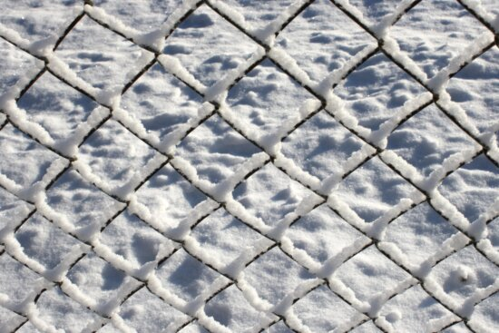 wire fence, coated, snow