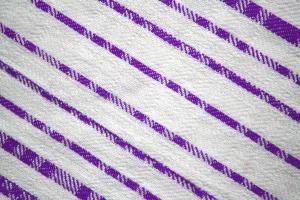 lila gefärbt textil, diagonalen Streifen, Stoff, Textur