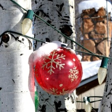 snow, red ball, Christmas ornament, light