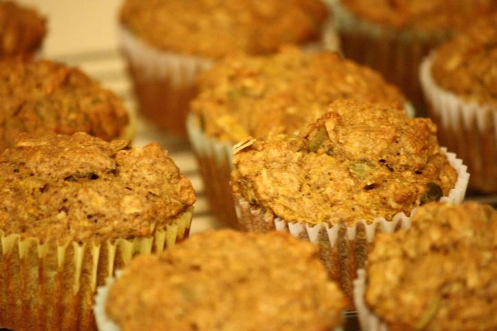 muffins, dessert, cooling, rack