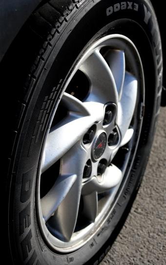 car wheel, tire, sport tire