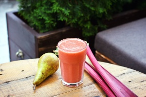 tomato juice, fruit juice, glass, drink, pear, dietary, fruit