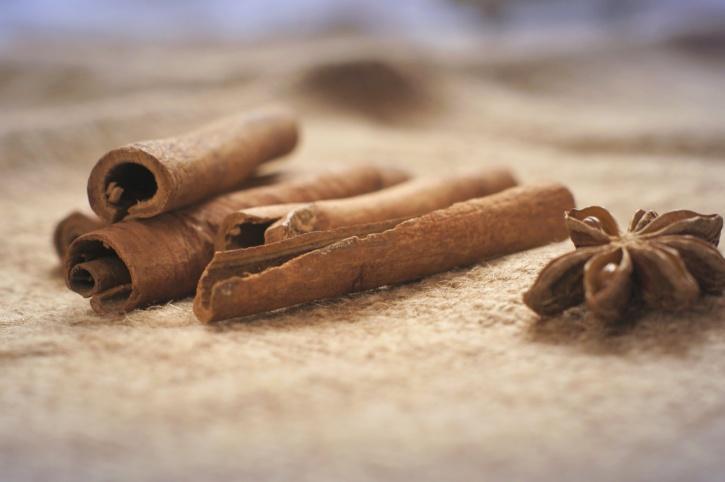 anise, cinnamon, sticks