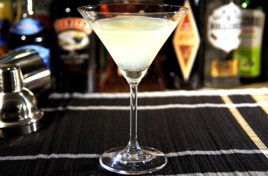 kamikaze cocktail, drink, restaurant, night club