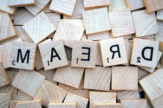 lettres vers l'arrière, le symbole, la typographie, le bois, le mot