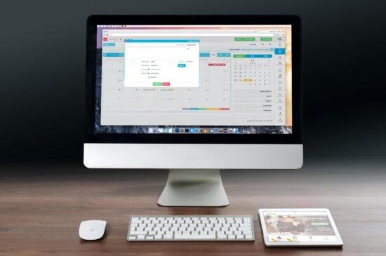 escritorio de la computadora, monitor, Internet, escritorio, oficina, trabajo, digital, tecnología, gadgets, tableta