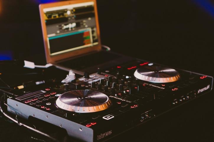audio, disc jockey, placa giratoria, ordenador portátil, discoteca, música, sonido
