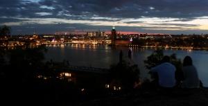 ciudad, edificios, centro, iglesia, Escandinavia, urbano, capilla, Estocolmo, noche, oscuro, cielo
