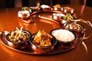 mat, deilig middag bolle, tradisjonell mat, trebord