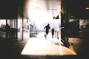 la sombra, el hombre, gente, reflexión, corredor