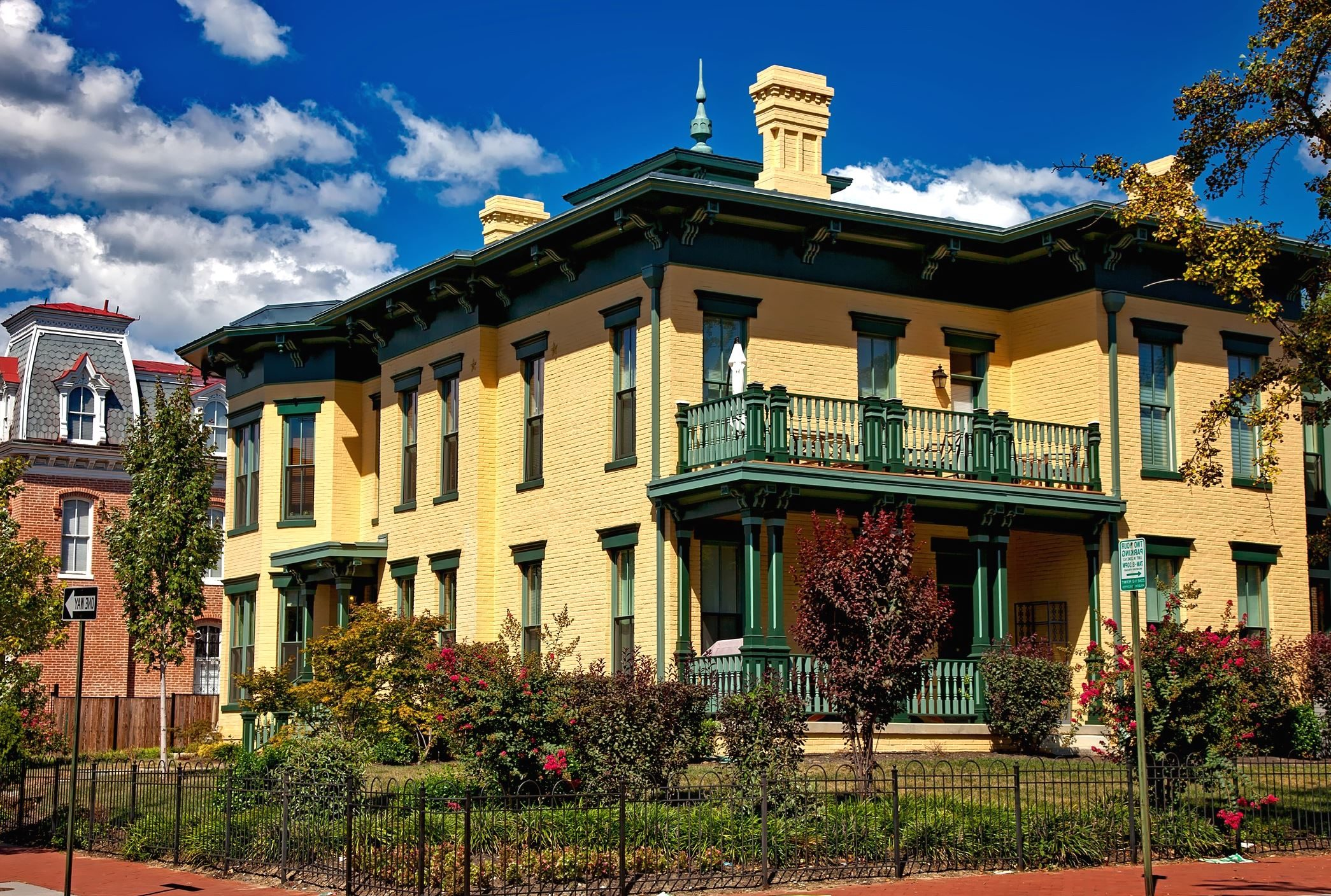 Image libre: balcon, jardin, maison, extérieur, maison, luxe ...