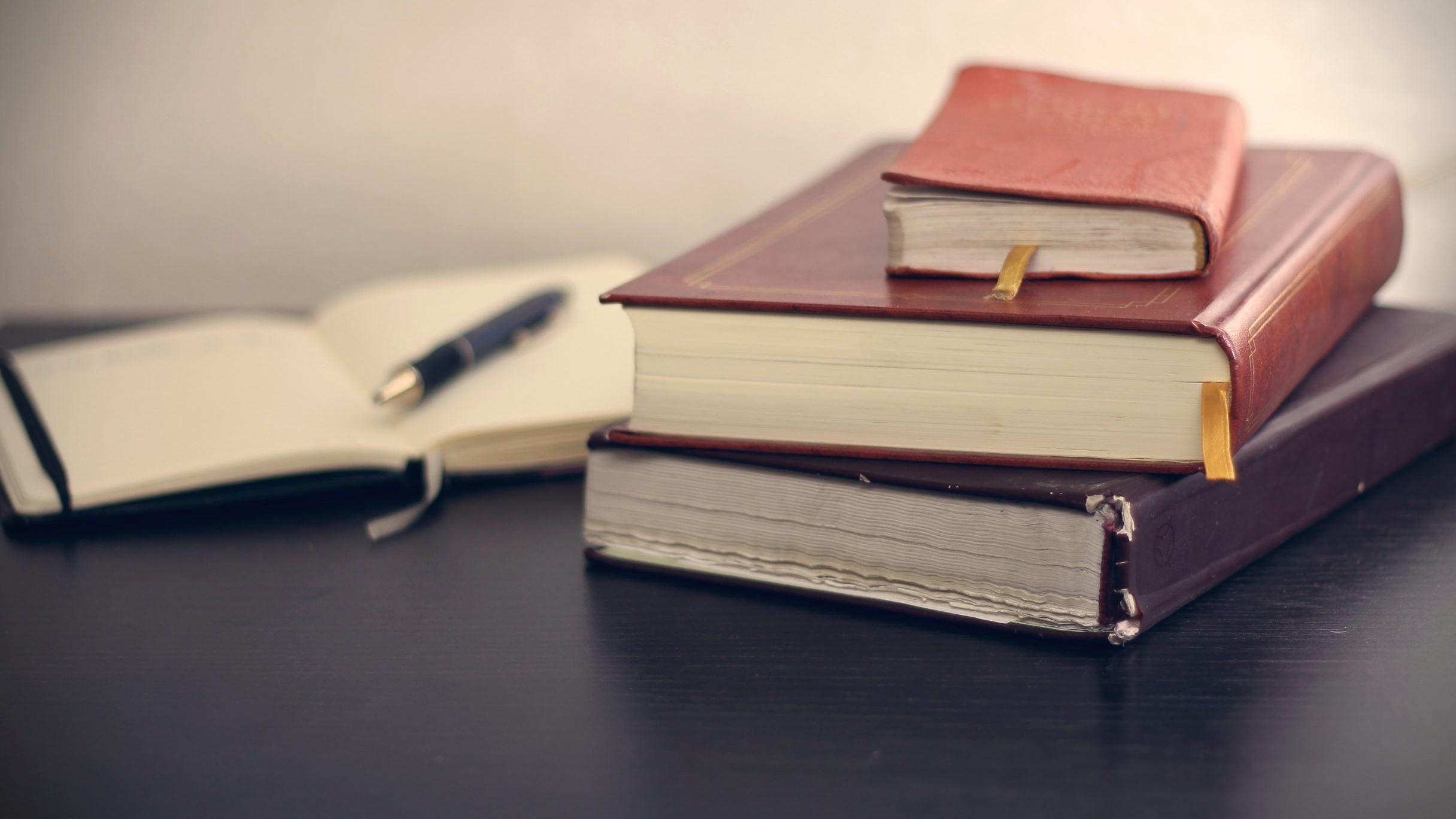 Imagen gratis: cuaderno, lápiz, libros