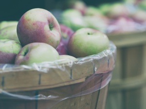 wooden basket, apples, fruit, food, fresh