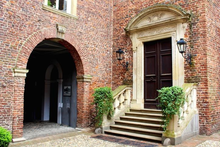 scale, muro di mattoni, lampade, casa, esterno, mattoni, cespuglio, castello