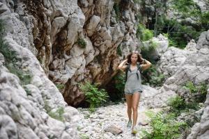Felsen, Steine, eine Frau, Wandern, Abenteuer, Wandern