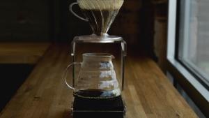 máquina de café, máquina de café, mesa, linterna