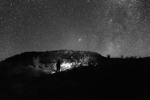 hombre, noche, persona, cielo, estrellas
