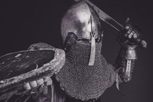 casque, homme, armure, noir et blanc, la protection, l'épée, la guerre, guerrier