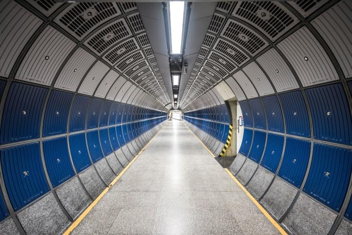 U-Bahn, Flur, Tunnel