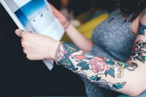 mode, fleur, fille, tatouage, femme, livre, main