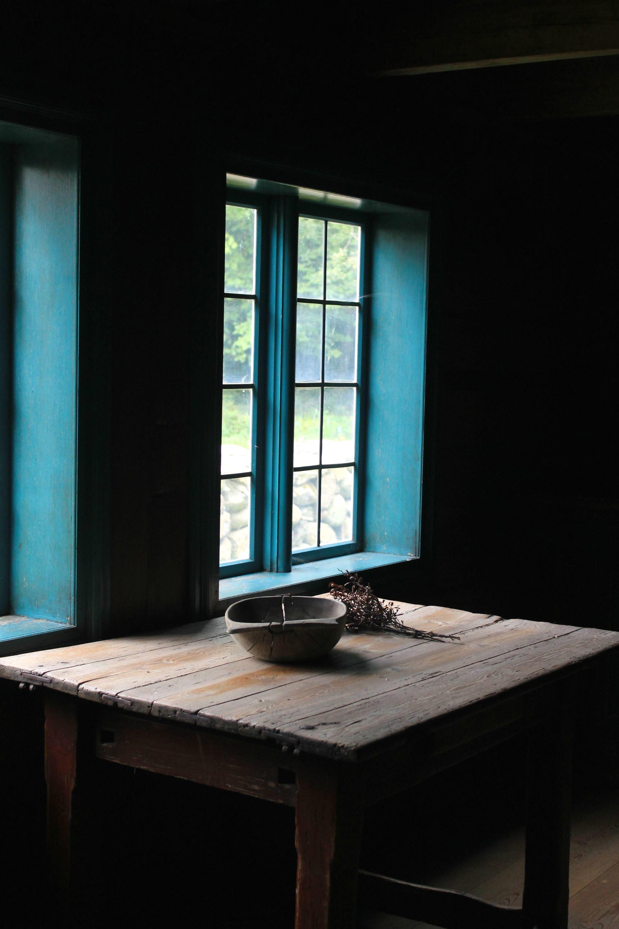 kostenlose bild rustikal tisch fenster holz. Black Bedroom Furniture Sets. Home Design Ideas
