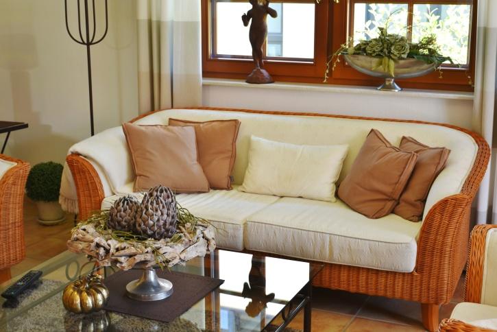 værelse, sofa, bord, vindue, stol, pude, møbler