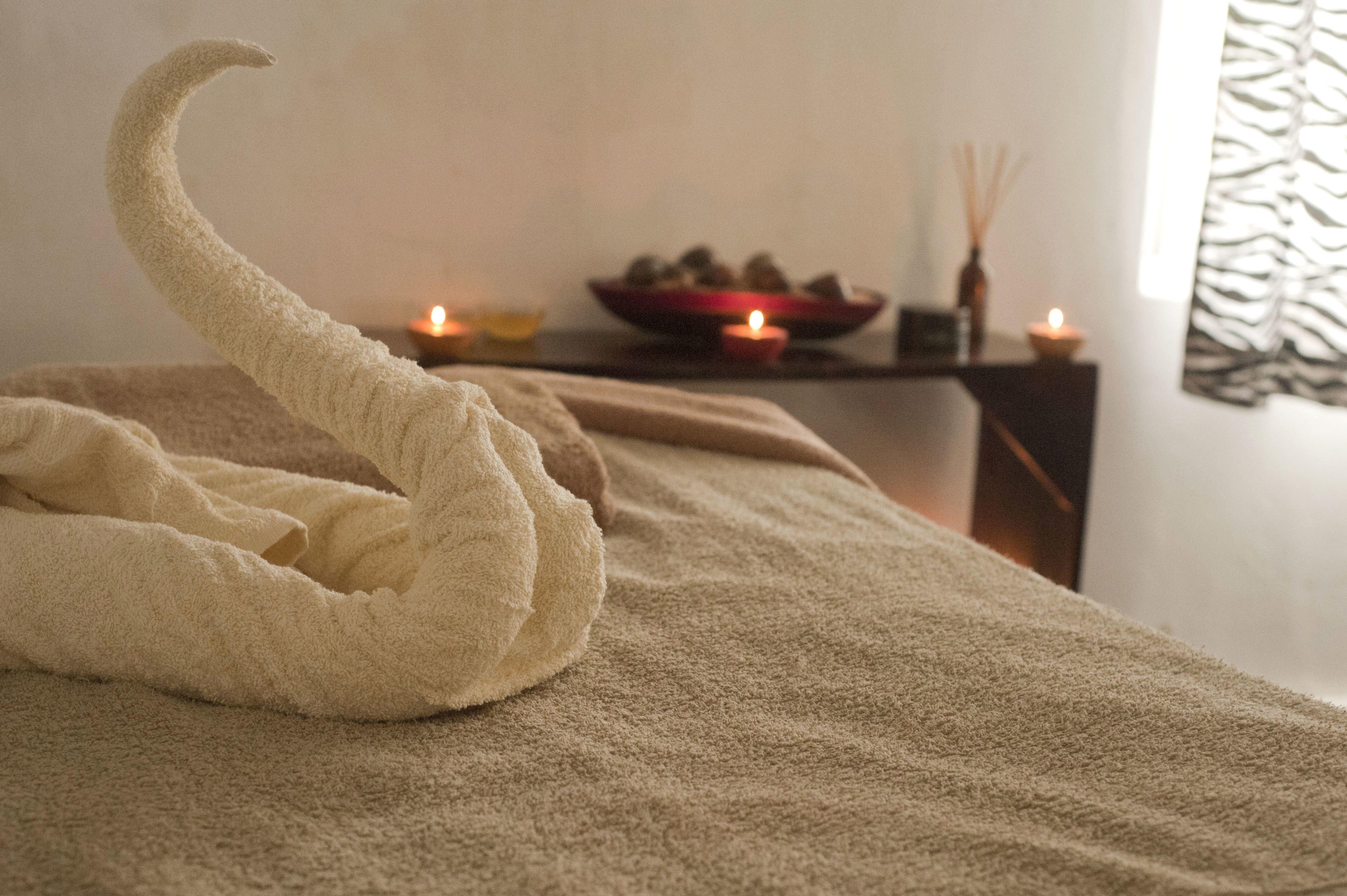 Decke, Kerzen, Bett, Schlafzimmer, Zimmer, Handtuch