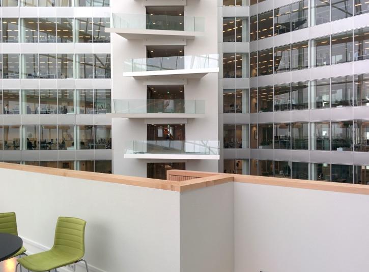 Kostenlose bild moderne wohnung architektur balkon for Moderne architektur gebaude