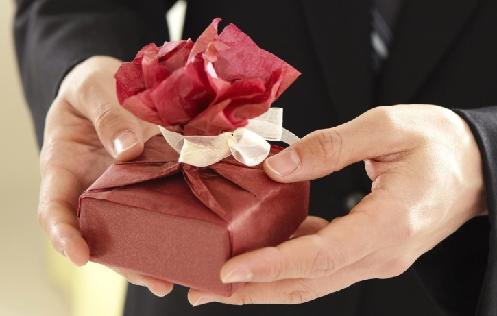 gift, hand, love, man, paper, romance, celebration, elegant