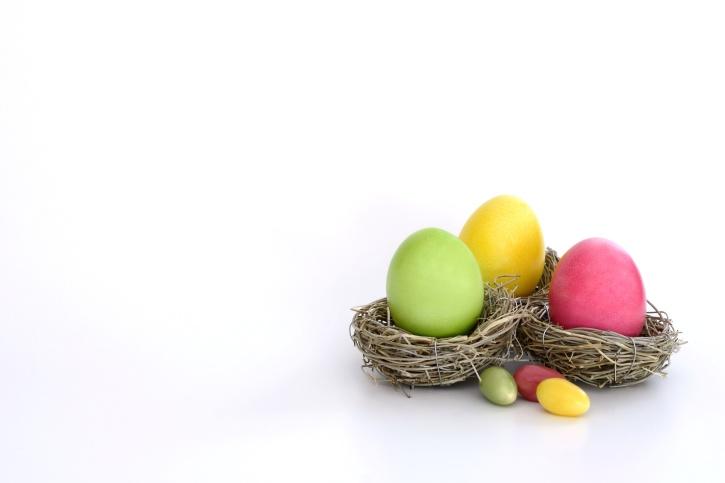 Paskalya yumurtaları, haşlanmış yumurta, yuva, renkler, tatil