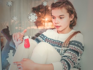 young woman, pretty girl, play, room, sit, child, christmas, childhood