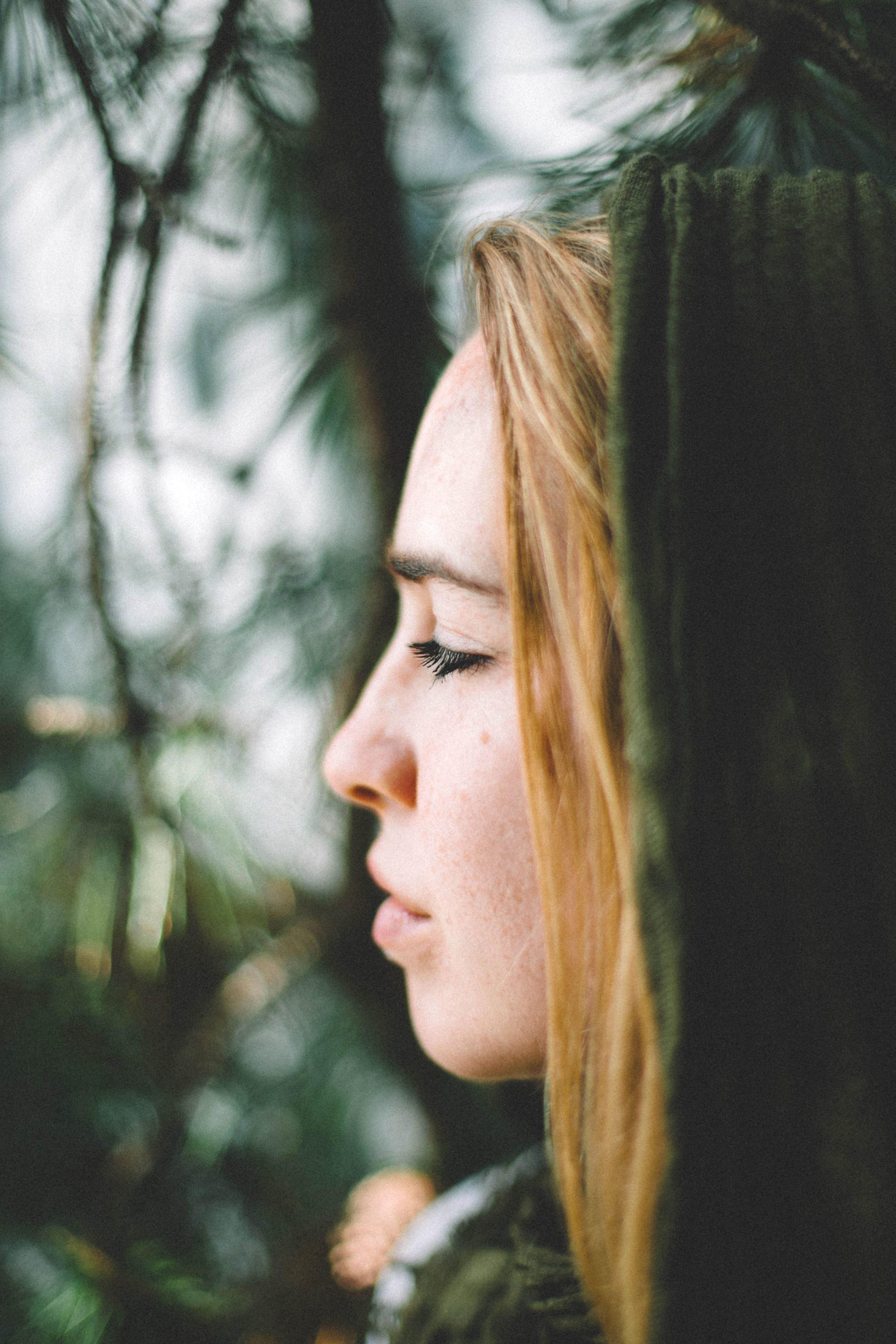 Free Picture Beautiful Girl Blonde Hair Eye Eyelashes