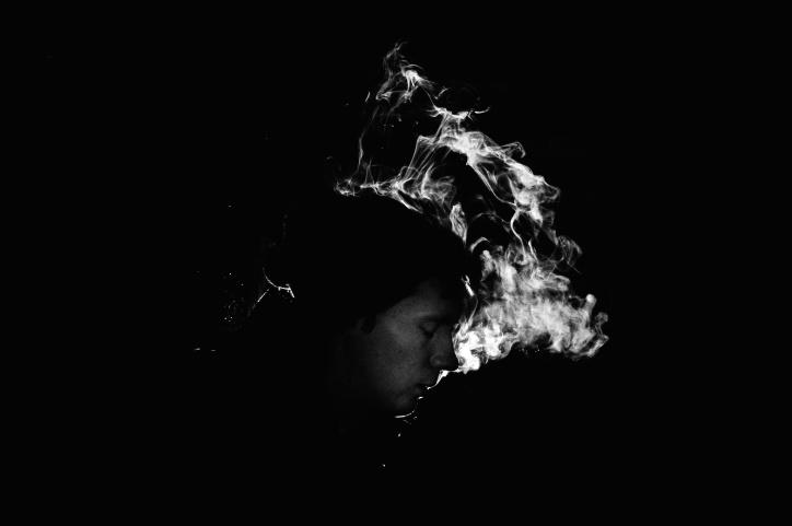 homme, obscurité, personne, silhouette, fumée
