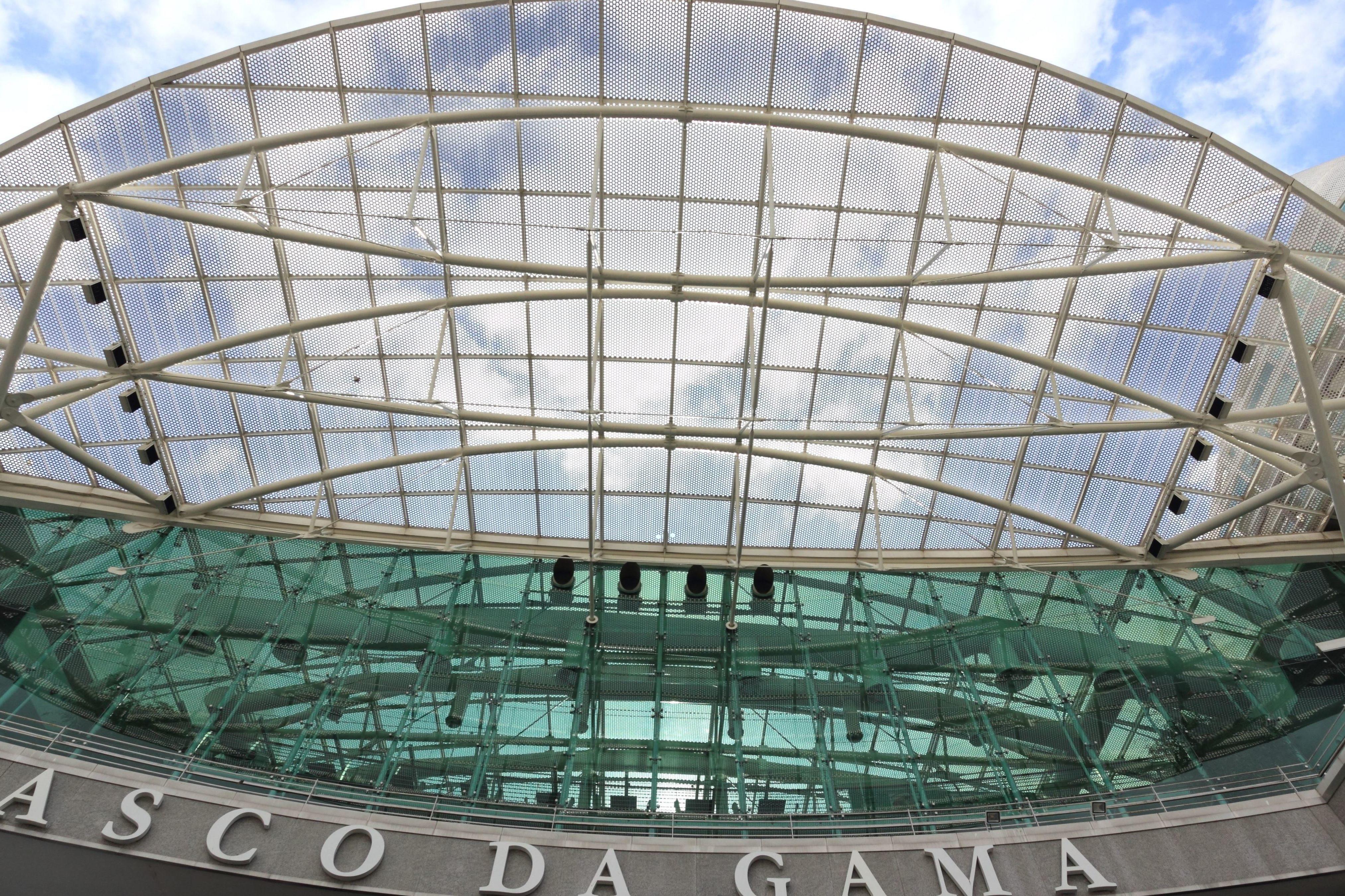Image libre construction contemporaine fa ade verre for Livres architecture batiment construction