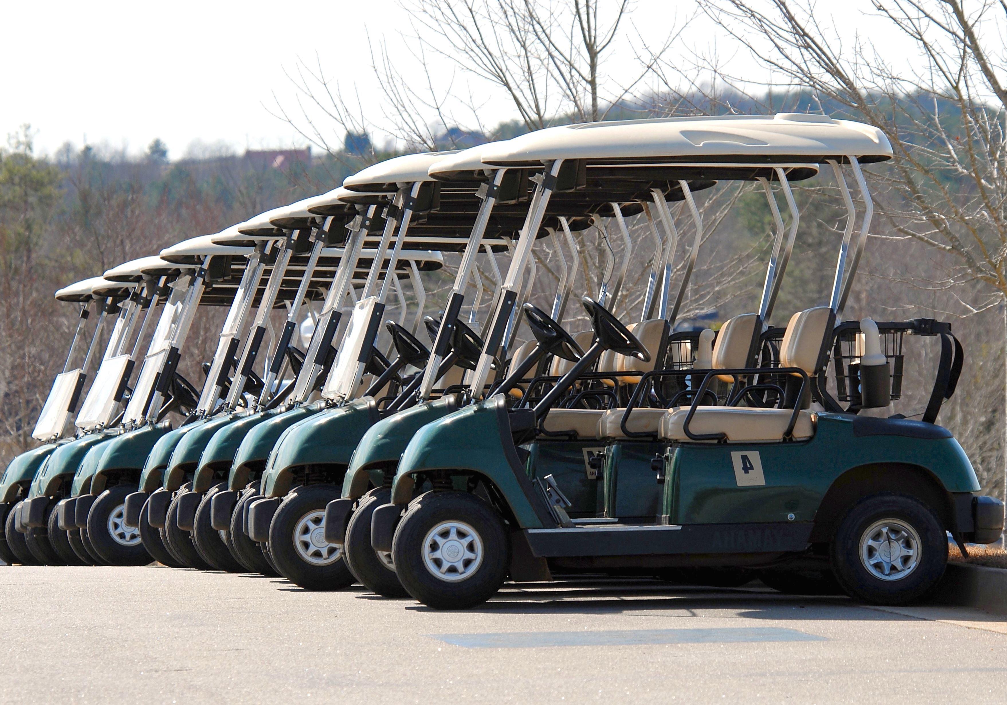 kostenlose bild auto verein motor bewegung flagge spiel golf park parkplatz. Black Bedroom Furniture Sets. Home Design Ideas