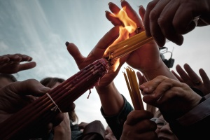 hands, people, ring, ritual, sky, candles, crowd, fingers, fire, flame