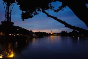 natten, byen, cloud, silhuet, himmel, træer, vand, refleksioner