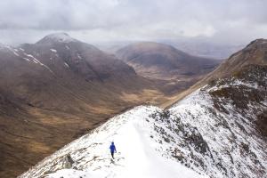 persoon, wandelaar, hiking, bergen, sneeuw, sneeuw