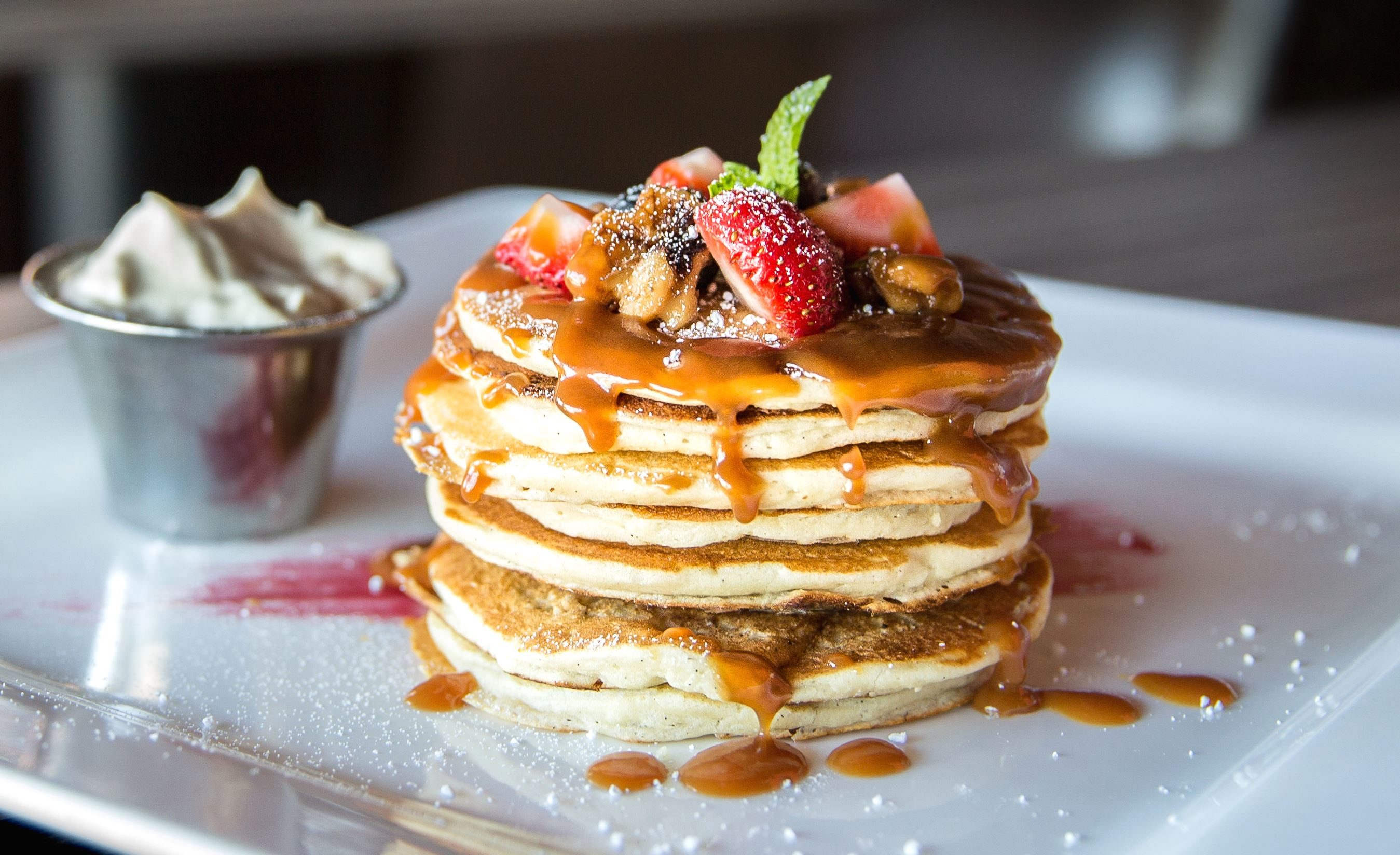 free picture pancakes pastry plate strawberries sweet