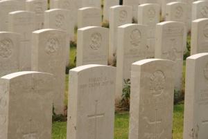 Memorial sír szobrok, szimbólum, sírkövek