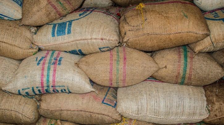 market, pile, sack, burlap