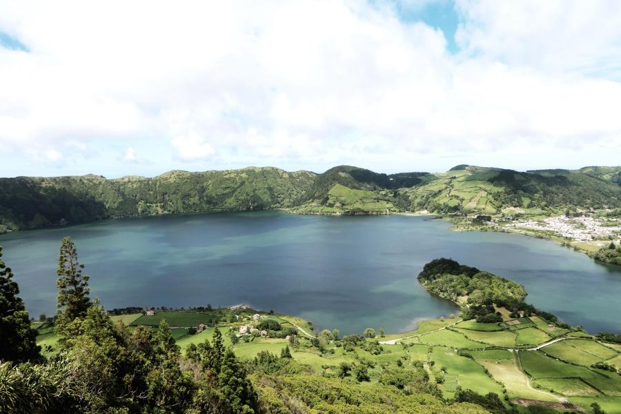 grass, hill, lake, landscape, mountain, water