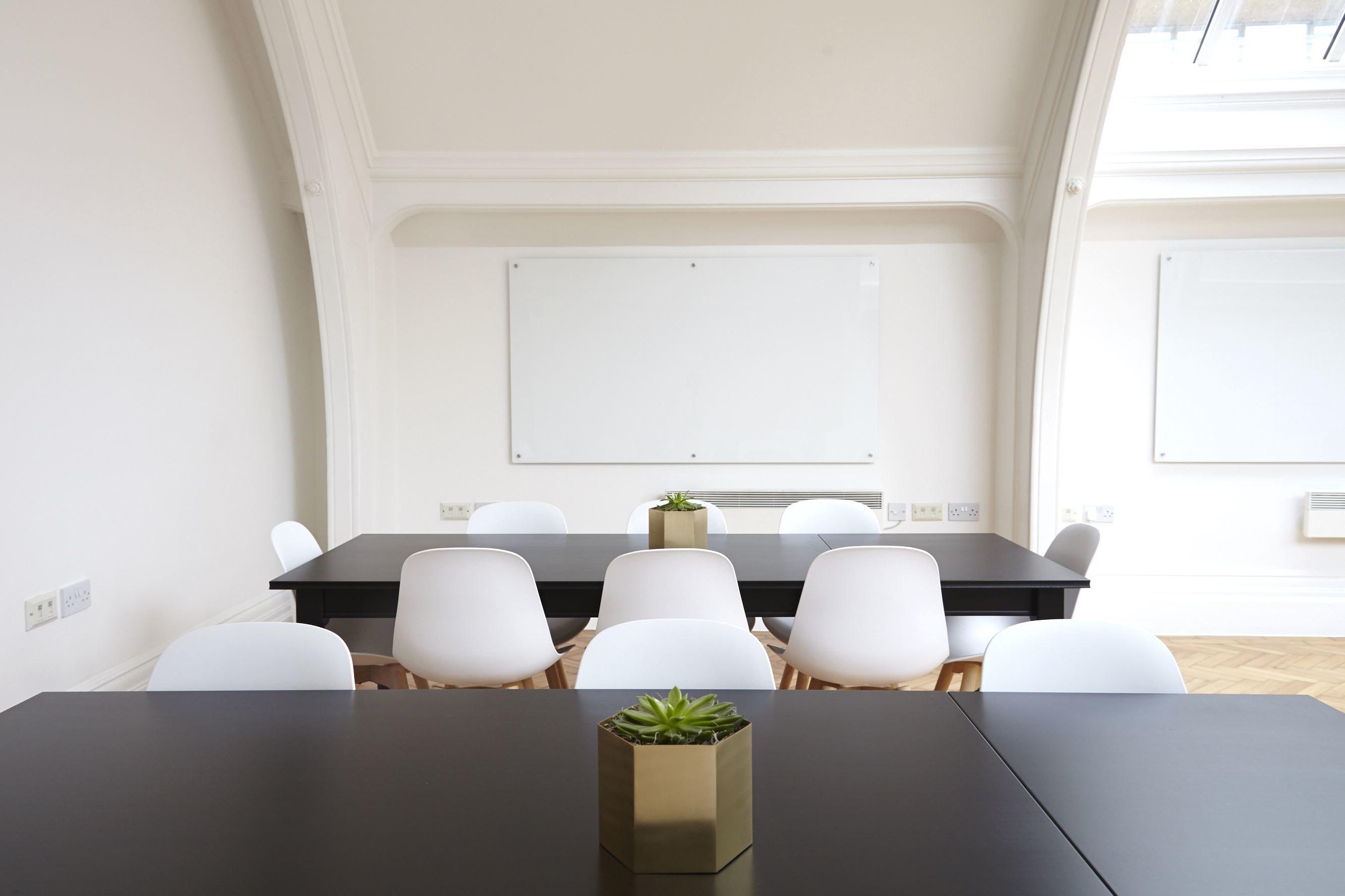 Kostenlose bild architektur st hle tisch design topf for Raum pflanzen