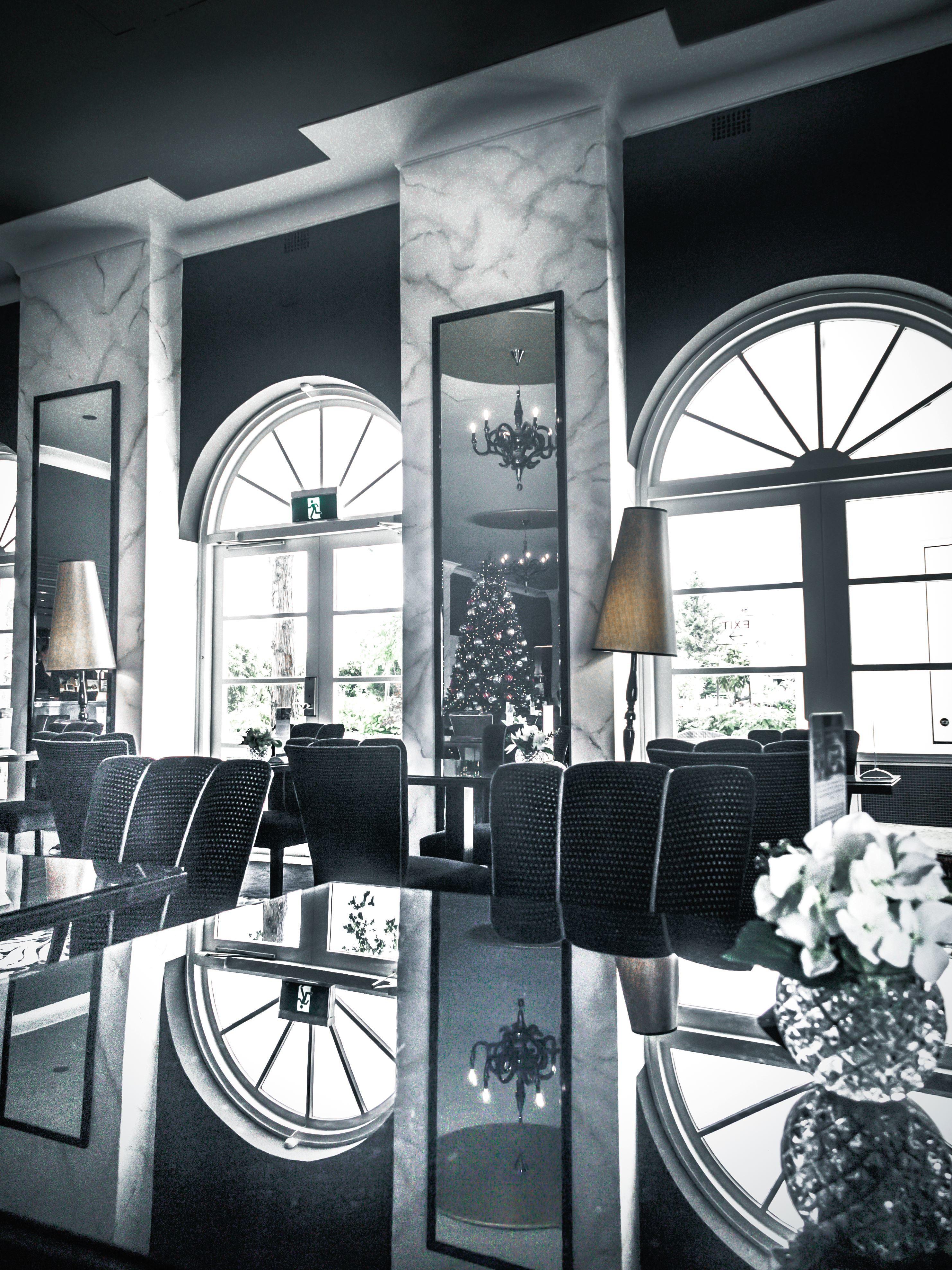 Kostenlose bild architektur st hle lampen reflexion for Fenster lampen