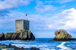 castle, fortress, ocean, waves, cloud, flag