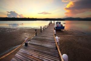 rope, sea, beach, boat, cloud, horizon, island