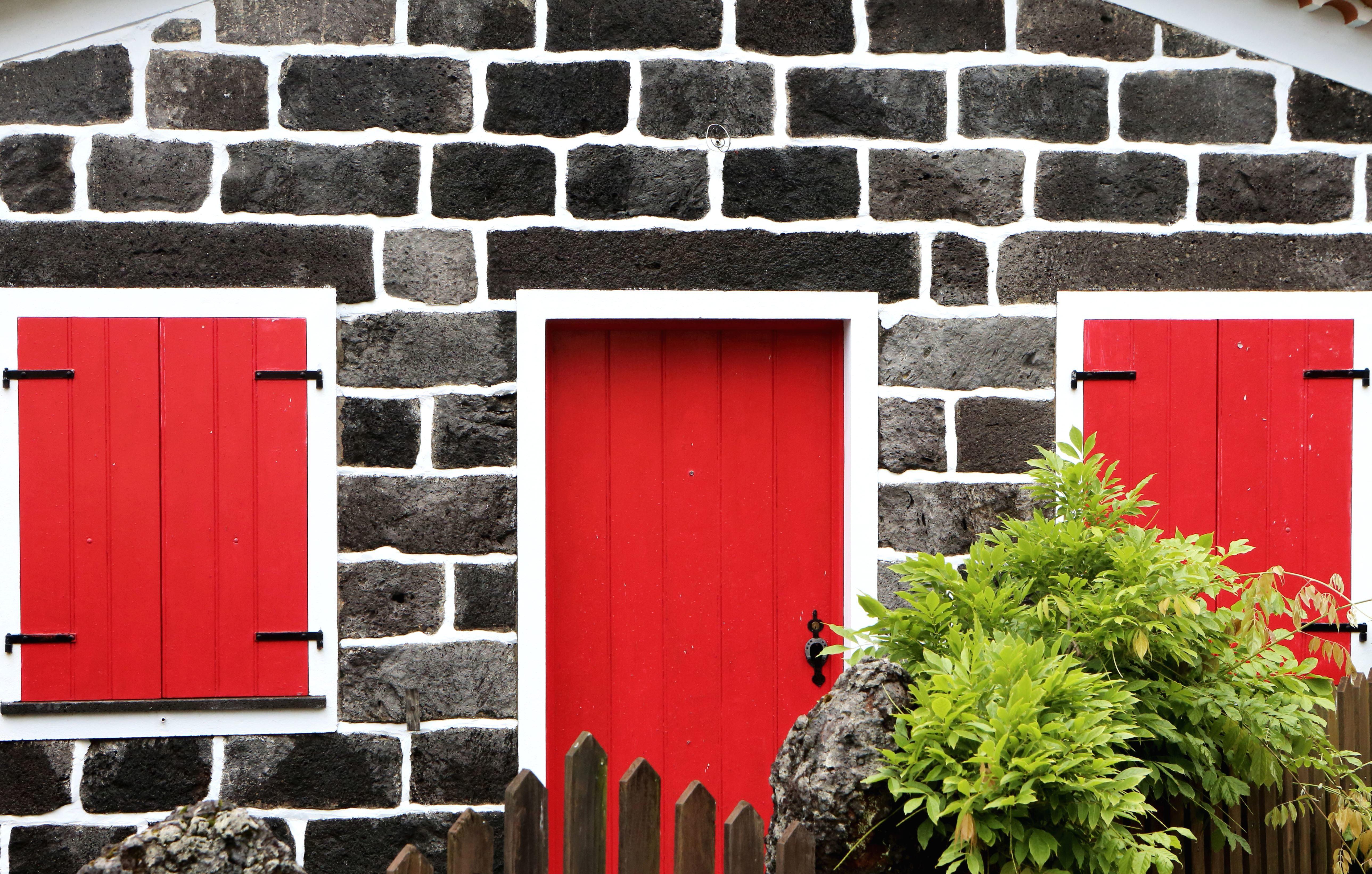 image libre mur fen tre volets fen tres architecture brique porte fa ade cl ture. Black Bedroom Furniture Sets. Home Design Ideas